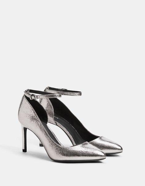 Туфли с ремешком на щиколотке и металлизированной отделкой