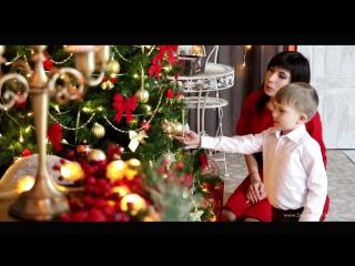 Видеосессия Снежана и Степа в новогоднем интерьере студии Family Foto