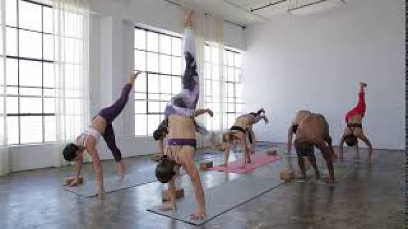 Free Yoga-Inspired Cardio Class with Briohny Smyth and MacKenzie Miller