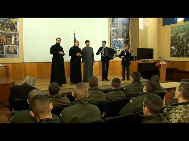 Сюжет Гласа: концерт и поздравления в военном госпитале