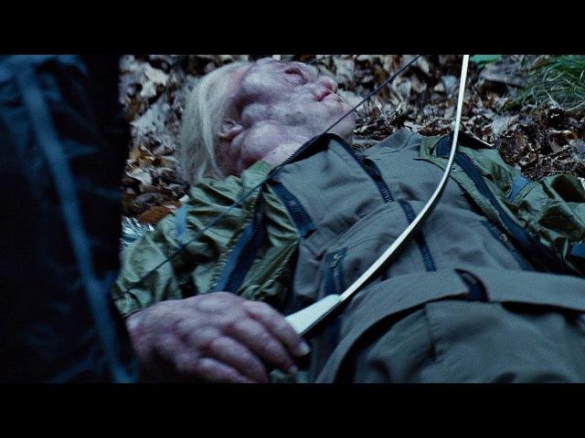 Китнисс использует улей Ос Убийц, для побега от трибутов. Голодные игры. 2012.