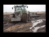 Fendt 936 Vario ploughing in mud, wet, difficult conditions