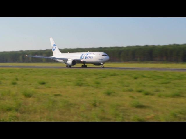 Взлет Боинг 767-200 ЮТэйр без закрылок. Аэропорт Емельяново. 2017
