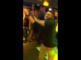 танец в клубе молодой парень смотреть онлайн