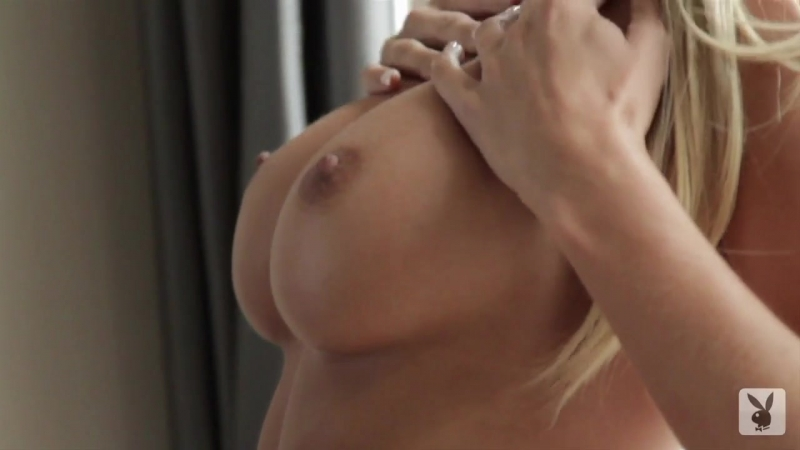 Sara Jean Underwood Runs Hands Over Pert Tits playboy.girls