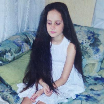 Наташа Юлинова