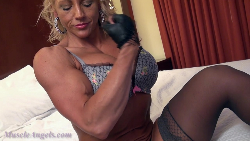 Tish_s_slow_sexy_closeups_legs_butt2