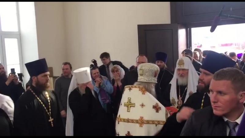 Патриарх Кирилл прибывает в храмовый комплекс в селе Гагино