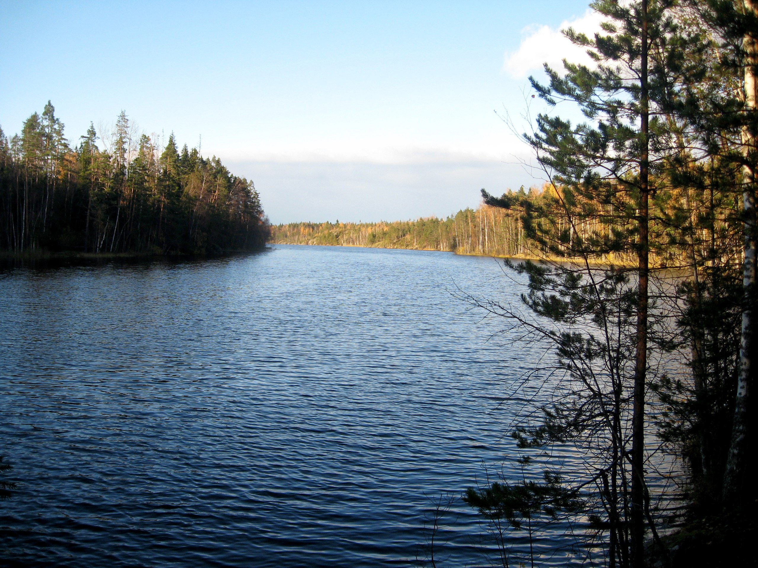 Поход геев на озеро