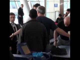 Israël «outragé»  que son ambassadeur expulsé ait été soumis à une fouille à fond à l'aéroport turc