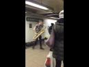 Саксофонист в подземном переходе ( Too Many Zooz)