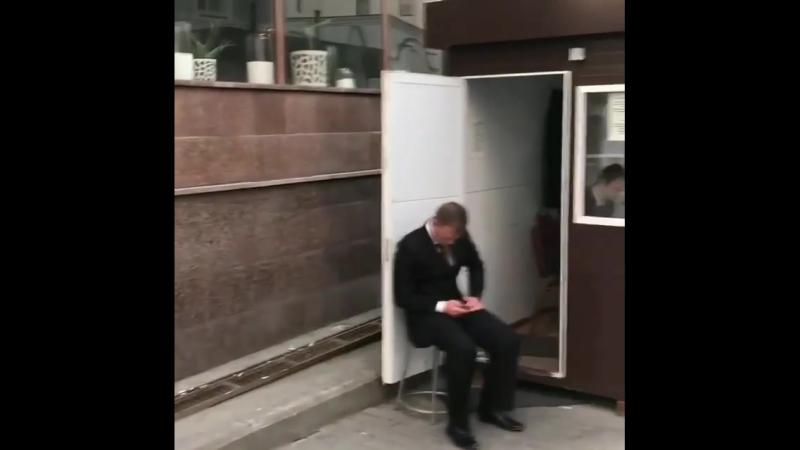Французский легендарный футболист Патрис Эвра пустился в пляс от счастья возле фан-зоны ЧМ-2018