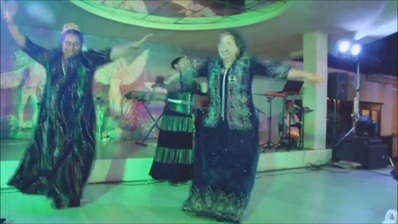Gypsy wedding Цыганская Свадьба Крымские Цыгане пляшут