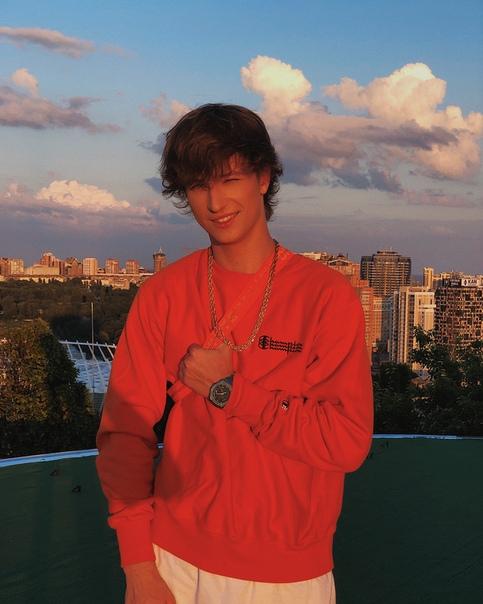 Ян Гордиенко, видеоблогер
