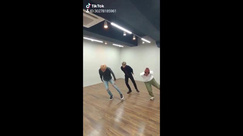 얼쑤 - JIMIN 호비 꾹 - URSOO IDOL IDOLCHALLENGE.mp4