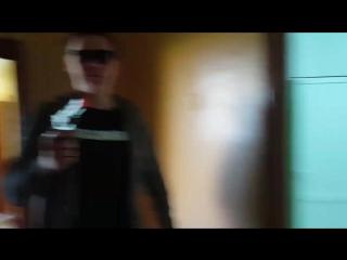 Злой Албанец в туалете