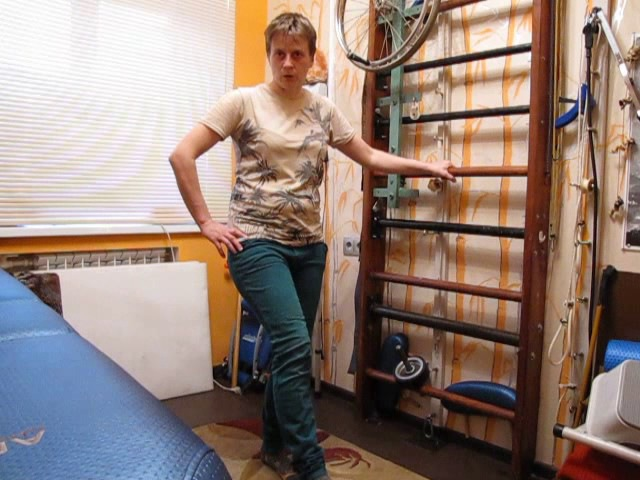 Переразгибание в колене при ходьбе. После инсульта / Knee flexion while walking. After a stroke