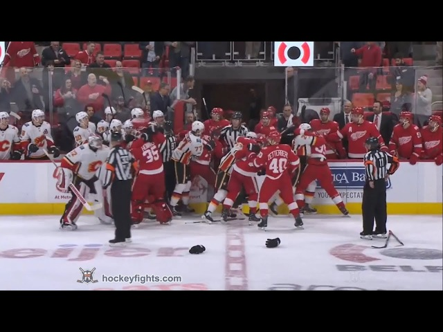 Brett Kulak vs Luke Witkowski Nov 15 2017