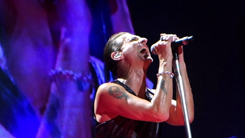 Depeche Mode - Walking In My Shoes LIVE HD (2013) Staples Center Los Angeles