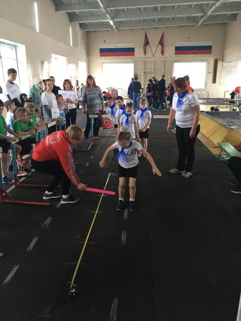 sulrtqV7yaE - «Крошки ГТОшки!» С целью повышения интереса дошкольников к занятиям спортом