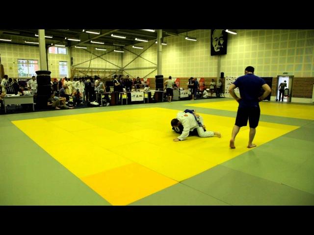 R.I.O. BJJ 2013. Хроменков Иван (Креонте) vs Соломахин Андрей (Цестаро)