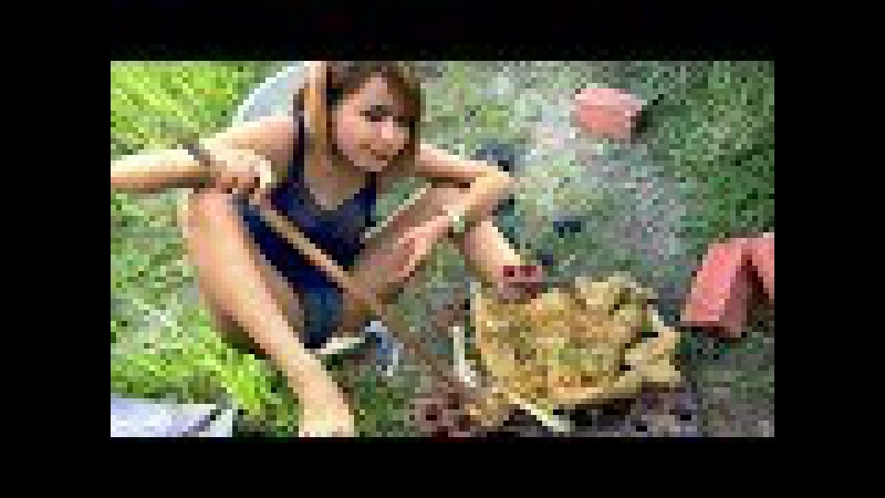 Beautiful Girl Grilled CHICKEN RECIPE on Rice Field Near my Home - VILLAGE FOOD FACTORY