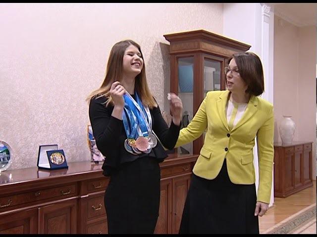 Встреча ректора ОГУ с призером чемпионата Европы по плаванию Марией Каменевой