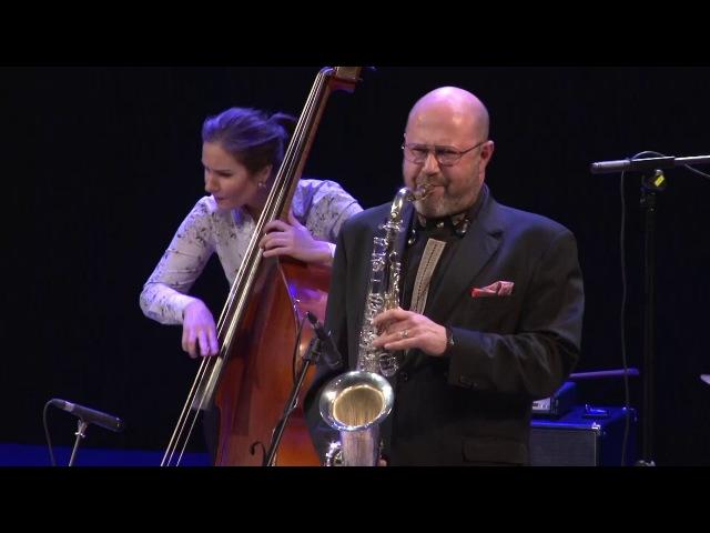 В Самаре выступили легендарные саксофонисты Петр Барон и Роберт Анчиполовский