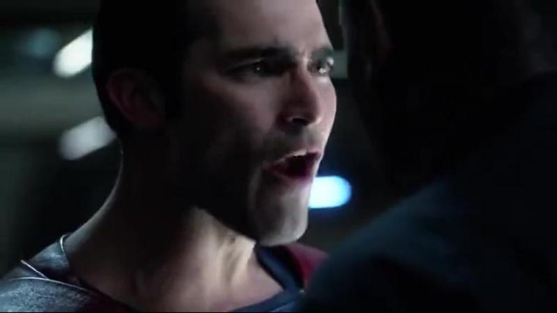 — Супермен и Марсианский Охотник сейчас подерутся. Это ужасно. Это потрясно.© Уинн |02х02|