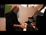 Benny Andersson playing Happy New Year on the piano, 2013