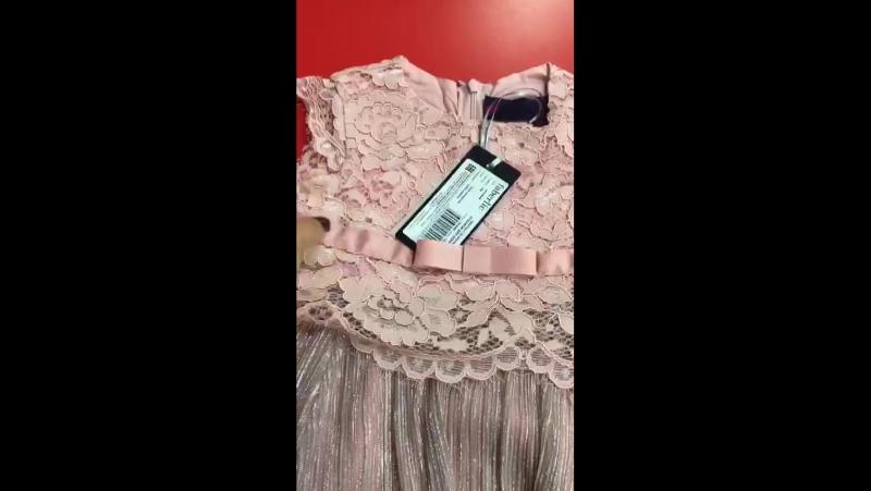 Платья для девочек копии маминых Те же ткани модные расклешенные рукава сетчатые юбки бархат и стразы Отправляемся на сем