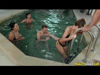 Tina kay, kira queen, vicky love horny models pool party