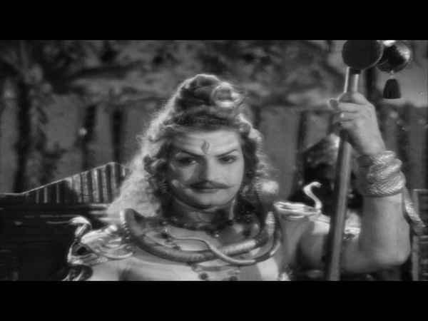 Dakshayagnam Movie || Daksha Angry on Lord Shiva in Yagna Introduction Scene || NTR, SVR, Devika