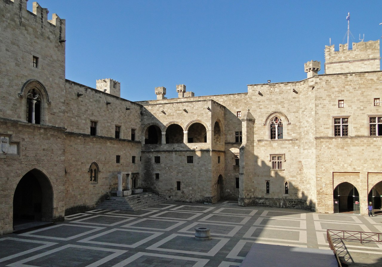 lRso5pQhPlE Родос - столица солнечного острова.
