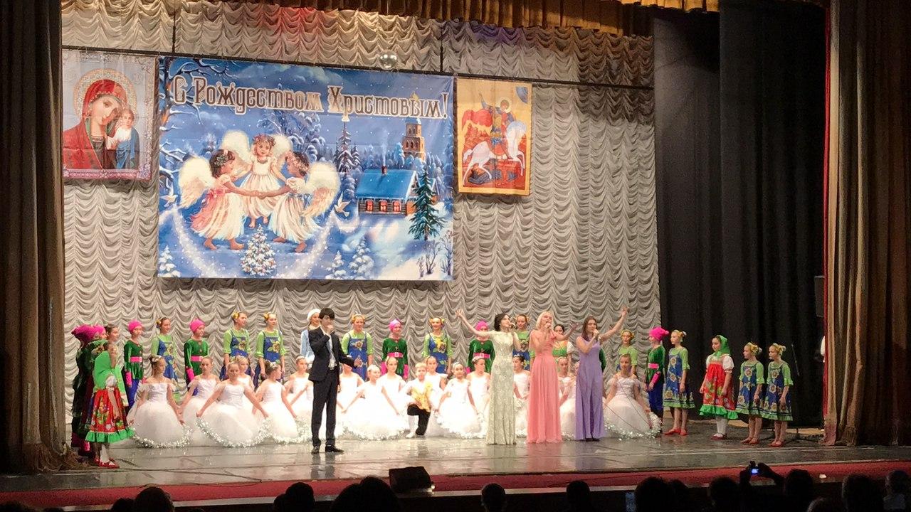 """концерт в ДК Прожектор - выступают солисты студии """"Твой мир"""""""