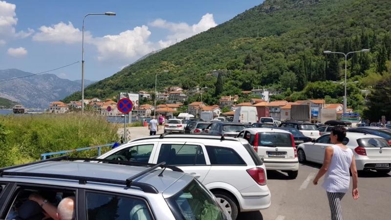 Заторы на дорогах в Черногории