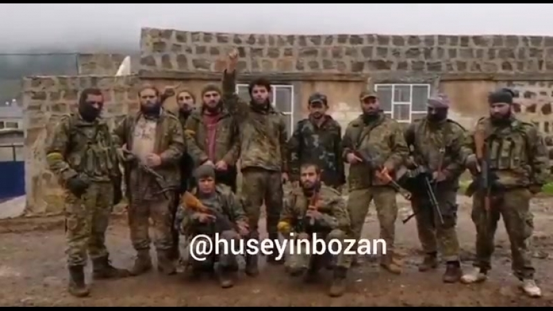 Sultan Murat Tümeni Afrinin Meydanı Ekbez cephesindeki Benderlik köyünü terör örgütü YPGPKKdan ele geçirdiğini açıkladı.