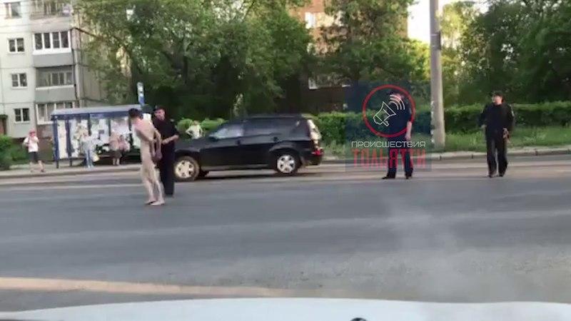 голый мужчина на улице Тольятти (часть2)