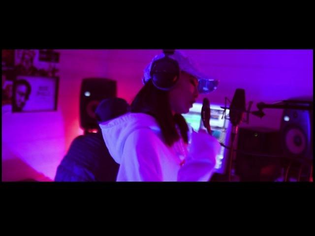 VAVA - Life's A struggle (華納 Official HD 官方MV)