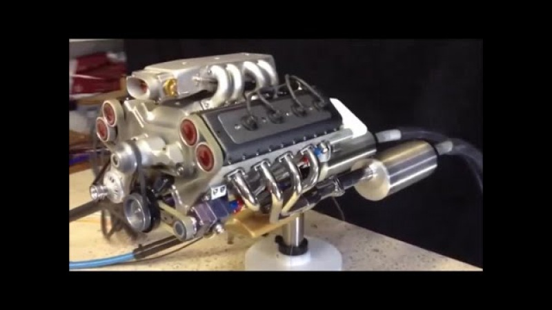 Model RC Twin Nitro Engine 4 WD Car Radio Controlled Lowrider Toy Cars