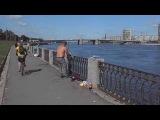 Fishing on Neva river.Рыбаки и их приличные трофеи