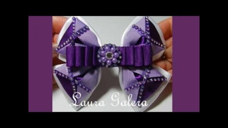Moño para niña en cintas Bow for girl in ribbons Laço para menina em fitas
