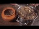 Гречка, запечённая в горшочке с грибами, сметаной и сыром.