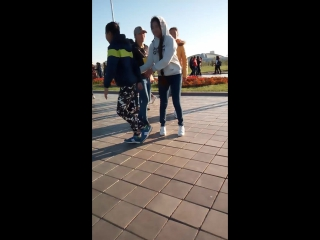 Жумат обнялся с Аминой Таженовой