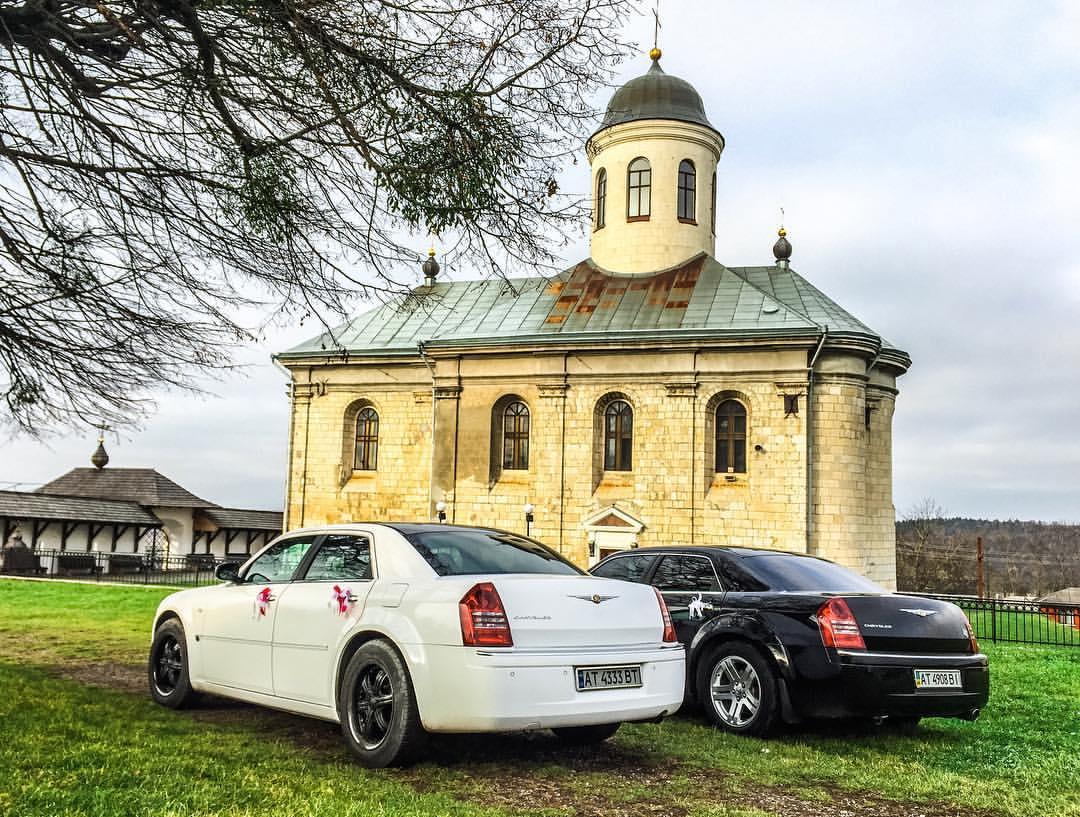 Весільний кортеж CHRYSLER 300с Івано-Франківськ