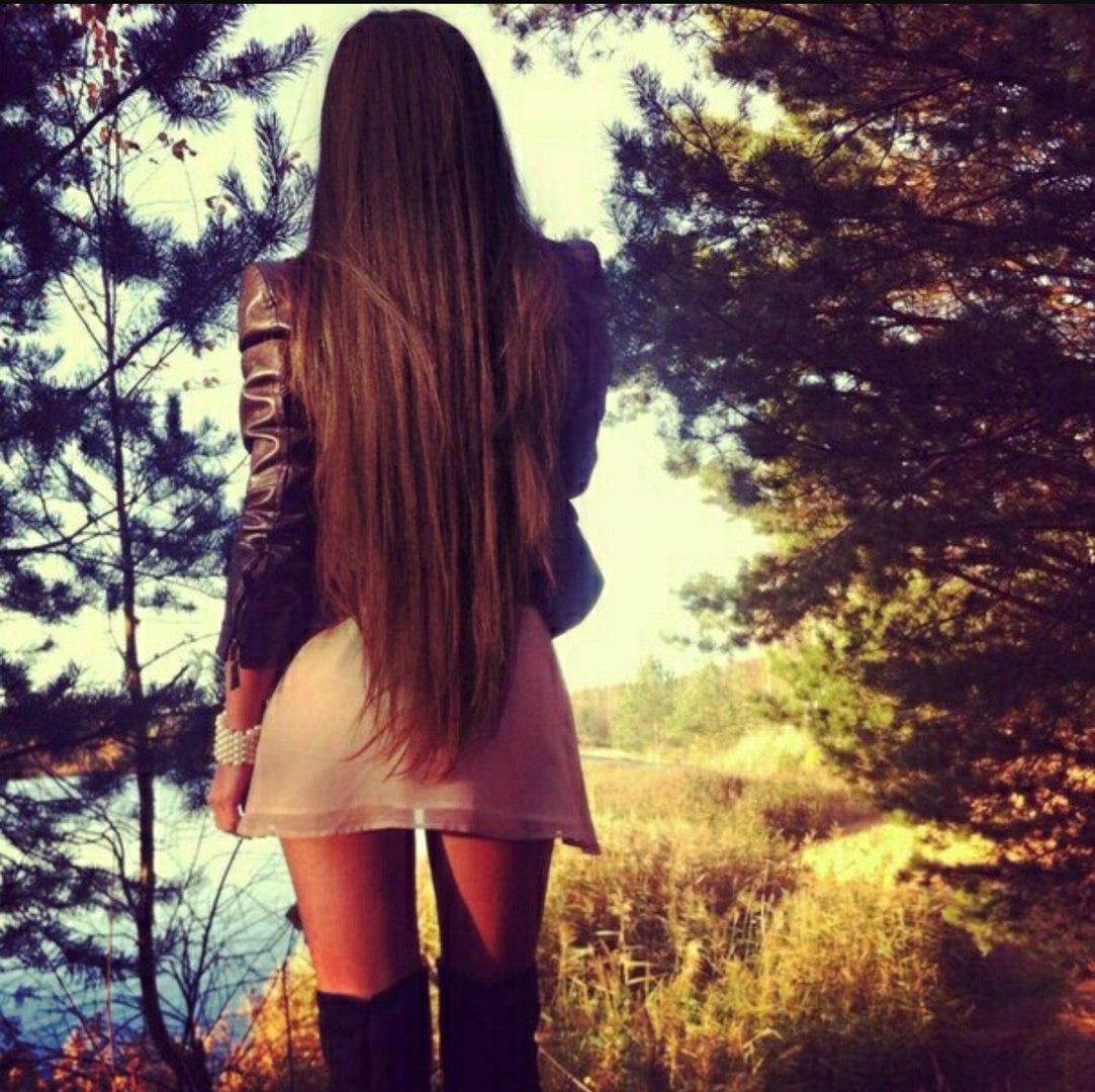Девушки с длинными волосами фото спиной на аву в