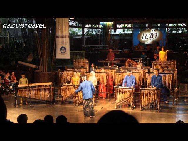 Symphony no 40 Mozart cover by Saung Angklung Udjo Bandung