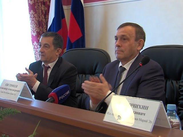 Александр Евстифеев поздравил прокуроров Марий Эл с профессиональным праздником