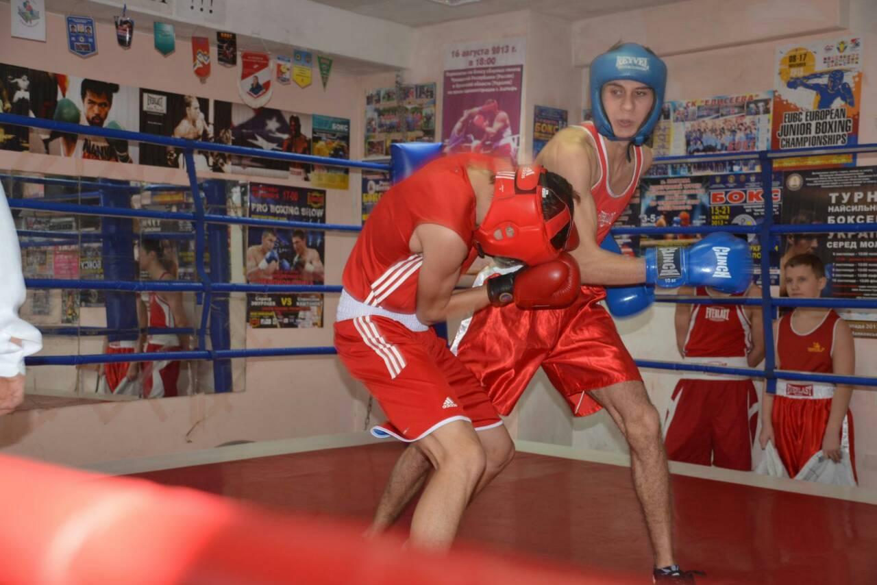 Ровеньковские казаки Войска Донского помогли провести городской турнир по боксу