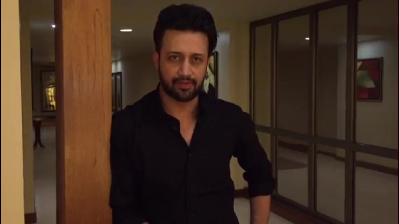 Atif Aslam urges fans to watch him perform live in Bahrain